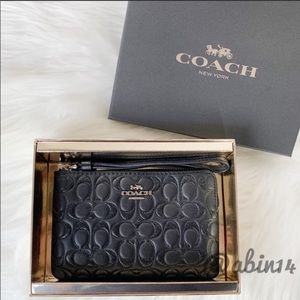 NWT Coach Boxed Leather Embossed Glitter Wristlet